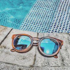@Regrann from @viva_positividade_ - Tudo blue para hoje Bom dia!  Super indico@_joplins_ Use cupom VIVAPOSITIVIDADE e receba 10% de desconto no site www.wearjoplins.com   #sunglasses #riodejaneiro #peace #barcelona #california #earth #joplins #sustainability #apparel #mindful #greeneyes #sustainable #bamboo #inspiration #goodvibes #love #lifestyle #summer #beach #freedom #ocean #sunset #happy #happiness #organiclife #exercise #positividade #verao #viva_positividade_ Re-post by Hold With Hope