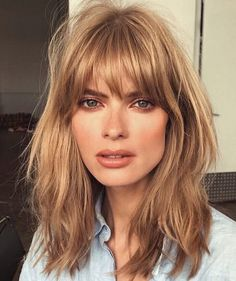 Blonde Hair Color Cream Soda Celebrity Trend Gigi Hadid Blonde Lob With Bangs, Lob Haircut With Bangs, Messy Bangs, Blonde Hair With Fringe, Messy Haircut, Bangs With Medium Hair, Bangs Long Hair, Bangs Hairstyle, 1970s Haircut