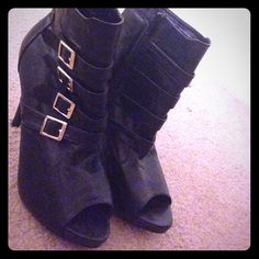 Black Buckle Heels Good condition, 5 inch heels, gold buckles can be adjusted. Questions below xx JustFab Shoes Heels