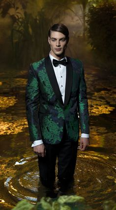 Costum de ceremonie Filip Cezar Green Flowers #mens #tuxedo http://www.kkandjay.com/