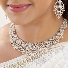 Head Jewelry, Statement Jewelry, Bridal Jewelry, Jewelry Necklaces, Jewellery, Diamond Choker, Diamond Jewelry, Diamond Necklaces, Rhinestone Art
