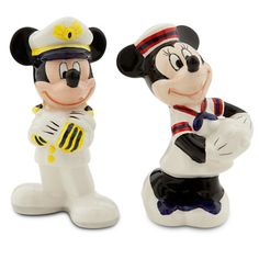 Mickey and Minnie Mouse Salt and Pepper Shaker Set - Disney Cruise Line… Mickey Love, Cinderella Disney, Disney Kitchen, Salt And Pepper Set, Vintage Mickey, Disney Home, Disney Cruise Line, Disney Merchandise, Salt Pepper Shakers