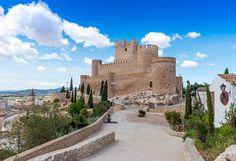 De ruta por los castillos de Alicante - Foto 1 Spanish, Mansions, House Styles, City, Bella, Medieval, Traveling, 14th Century, Palaces
