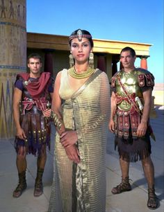 Cleopatra 1999 - Cleopatra with Mark Antony and Caesar