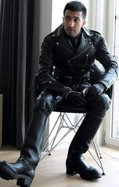 Biker Leather, Leather Gloves, Leather Men, Black Leather, Motorcycle Leather, Quilted Leather, Leather Jackets, Mens Gloves, Dress With Boots