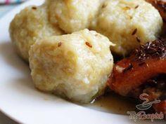 Recept Burgonyagombóc Slovak Recipes, Czech Recipes, Ethnic Recipes, Dumplings, Mashed Potatoes, Cauliflower, Food And Drink, Healthy Recipes, Baking