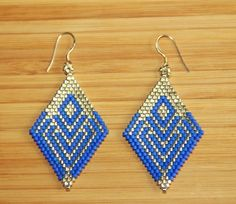 Cobalt blue miyuki earrings 925 sterling silver by Ccedille on Etsy… Seed Bead Necklace, Seed Bead Jewelry, Beaded Jewelry, Jewelry Design Earrings, Diy Earrings, Jewlery, Beaded Earrings Patterns, Beading Patterns, Brick Stitch Earrings