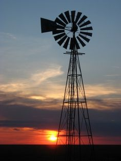Nebraska windmill and sunset Renewable Energy, Solar Energy, Farm Windmill, Wooden Windmill, Old Windmills, Country Scenes, Photo Center, Water Tower, Old Barns