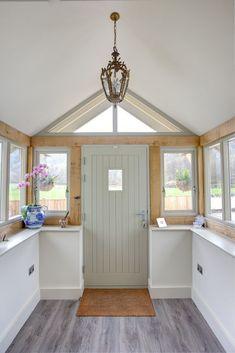33 trendy house front porch decor dream homes Front Door Porch, Front Porch Design, Porch Uk, Front Windows, Patio Windows, Porch Designs Uk, Porch With Windows, Oak Front Door, Porch Doors