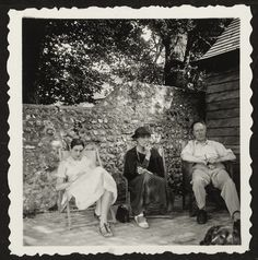 Angelica, Vanessa Bell, and Clive Bell :undated