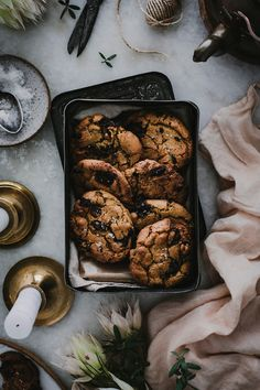 Discover recipes, home ideas, style inspiration and other ideas to try. Fun Baking Recipes, Bakery Recipes, Gourmet Recipes, Healthy Recipes, Cookie Recipes, Cookie Pictures, Dark Food Photography, Biscuit Recipe, Unique Recipes