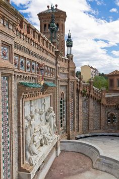 Teruel, Spain www.clinicadentalmagallanes.com