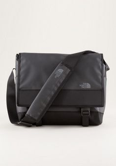 10b5a398d39 THE NORTH FACE Base Camp Messenger Bag S II - looks quite functional The  North Face