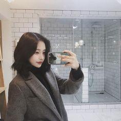New Hair Short Ulzzang Style Fashion 49 Ideas Cute Korean Girl, Asian Girl, Short Styles, Long Hair Styles, Hwa Min, Asian Haircut, Long Hair Tips, Ulzzang Fashion, Ulzzang Style