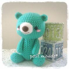 petit_monde.aki:: 2016.05.27  くまちゃん完成  装飾をどうするかはこれから考えます   #ハンドメイド #handmade #knitting #編み物 #かぎ針編み #crochet  #あみぐるみ #amigurumi #くま #bear #wip #workinprogress