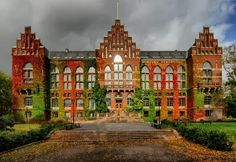 This is the school where I'll be studying abroad! Lund University in Sweden! Beautiful Buildings, Beautiful Places, Lund Sweden, Lund University, Learn Something New Everyday, Sweden Travel, Study Abroad, Higher Education, Norway
