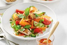 Chili Chicken Salad—We've taken a chicken salad and updated it with a chili garlic vinaigrette and the best of summer veggies for a satisfying dinner salad for any day of the week. Meat Salad, Soup And Salad, Pasta Salad, Chicken Chili, Chicken Salad, Grilled Chicken, Canadian Living Recipes, Lunches And Dinners, Meals