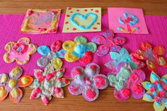 Peinture gonflante & mobile de printemps » croquelavieenrose.fr - La petite vie en rose d'Anouk, Maïa et Azia.