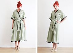 Easy Vintage looking Bathrobe DIY- I love this, I'm so into robes right now.