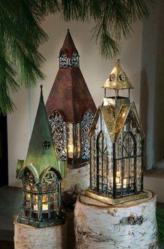 lanternes à poser magnifiques en forme de maisons médiévales
