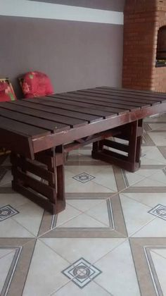 And finally here we see a long wooden pallet table that could be used as major dining table for whole of the family, or you can also use it as a kitchen island. Also make some matching chairs or stools whatever you like. All of these pallet recycling ideas are just too great to deny.