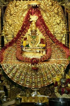 Real gold saree on MAA Lakshmi. Durga Images, Lakshmi Images, Krishna Images, Saraswati Goddess, Shiva Shakti, Durga Maa, Tara Goddess, Black Goddess, Shri Yantra