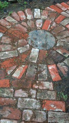 Alte Ziegelsteine recycelt Old bricks recycled Hexagon recycled granite paver patio. naturalRepurposed some bricks we found around the yardgarden wall bricks old bricks Brick Pathway, Brick Garden, Glass Walkway, Recycled Brick, Recycled Garden, Garden Stones, Garden Paths, Gravel Garden, Garden Planters