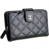 Perfect to go in my black Chanel  bag