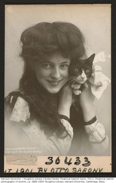 "Evelyn Nesbit iconic women.Evelyn Nesbit American model and actress. At Age Labeled ""The Florodora Mascot.' Photograph by Otto Sarony Harvard Theatre Collection, Houghton Library, ..."