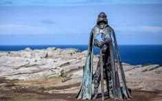 metal king arthur statue Tintagel cliffs by rubin eynon is so magical King Arthur's Castle, Ancient English, Legend Of King, English Castles, The Weather Channel, Royal Palace, Dark Ages, British Library, Luxor