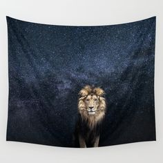 WALL TAPESTRY LION