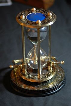 """LM © All rights reserved Hourglass used to keep time on board ships """"ship's watch"""" centuries ago. Vintage Props, Vintage Items, Hourglass Sand Timer, Sand Glass, Sand Timers, Dark Autumn, Surrealism Painting, Maritime Museum, Fantasy Artwork"""