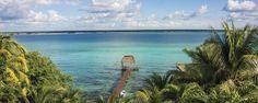 Ruta Aguas de siete colores: De Bacalar a Mahahual. Jamás se han visto tantos tonos de azul como en las aguas de Quintana Roo. Sean dulces o saladas, a mar abierto o subterráneas, estos son los mejores lugares alrededor de Bacalar para nadar y practicar deportes acuáticos.
