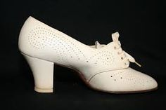Bilderesultat for shoes from the 1930s