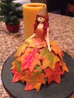 Autumn leaves dress cake