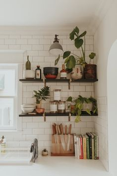 – A mix of mid-century modern, bohemian, and industrial interior style. Home and… – A mix of mid-century modern, bohemian, and industrial interior style. Home [. Retro Home Decor, Home Decor Kitchen, Home Kitchens, Kitchen Dining, Diy Home Decor, Room Kitchen, Dining Room, Kitchen Plants, Bohemian Kitchen Decor