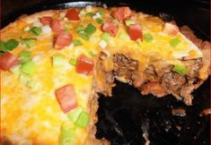 WEIGHT WATCHERS TACO PIE Here's a favorite! This super-easy taco pie will be a weeknight family favorite. Your family will race to the table when you serve this crescent-crusted taco piein wh… Taco Pie Recipes, Ww Recipes, Mexican Food Recipes, Cooking Recipes, Mexican Dishes, Recipies, Healthy Recipes, Spanish Dishes, Mexican Meals