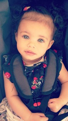 She is one of the most adorable biracial babies everrrr. Little Mix Girls, Little Babies, Cute Mixed Babies, Cute Babies, Baby Kind, Pretty Baby, Beautiful Children, Beautiful Babies, Beautiful Eyes