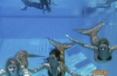 h2o: behind the scene, the mermaids on the pool