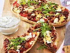Das Rezept für Schnelle Fladenbrotpizza mit Feta und weitere kostenlose Rezepte auf LECKER.de