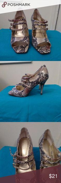 Snake print heels Nine West snake print heels Nine West Shoes Heels
