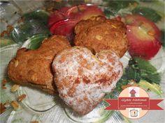 Heart-shaped cookies with wholemeal flour and muesli / glykesdiadromes.wordpress.com Heart Shaped Cookies, Muesli, Muffin, Wordpress, Meat, Chicken, Breakfast, Ethnic Recipes, Food