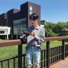 """""""Sometimes people are beautiful. Not in looks."""" — Mark Zusak, I am the Messenger - - - - Cr,to… Korean Boys Hot, Korean Boys Ulzzang, Ulzzang Boy, Korean Men, Cute Asian Guys, Asian Boys, Asian Men, Korean Fashion Men, Ulzzang Fashion"""