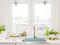 Kitchen Window Decor, Kitchen Window Valances, Kitchen Window Treatments, Kitchen Windows, Home Design, Design Blog, Modern Design, Flylady, Casement Windows