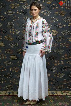 peasant blouse romanian blouse La Blouse Roumaine peasant handmade blouse traditional romanian blouse www.iiana.ro handmade roumanian fashion folkfashion ia tradition Romanian Blouse romanian carpet romanian art romania #tradition #iaday #romania #iiana #folkfashion #ia #iaromaneasca #iiana #iianaro #romanianart #romaniancarpet #cucuteni #romanianskirt #romania #traditionalfurniture #tradition romanian furniture silk embroidery #silkembroidery romanian beauty #romanianbeauty #romaniancoat