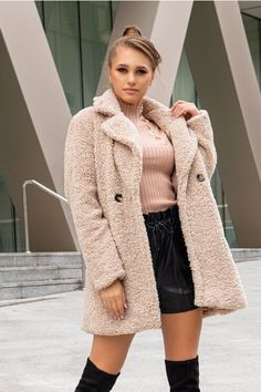 Palton dama cu aspect de lana lung bej Lunges, Fur Coat, Jackets, Shopping, Design, Fashion, Down Jackets, Moda, Fashion Styles