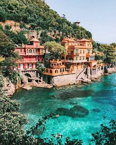 The Top 15 Places You Should Visit in Italy Amalfi Coast This post should help you plan your vacation. Loaded with great travel tips and photography of the best cities in Italy! home decor Beautiful Places To Visit, Cool Places To Visit, Places To Go, Beautiful Things, Beautiful Pictures, Beautiful Beautiful, New Travel, Travel Goals, Travel Europe