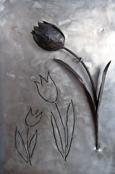 Black tulip of wrought iron over inox plate, forged metal flower, unique flower wall decor, steel fine art, wall sculpture, valentine gift de TheSteelStyleThings en Etsy