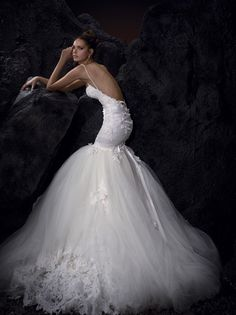 I adore this wedding dress <3 would love it more if the poof was more of a dropped waist rather than mermaid!