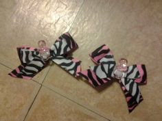 Zebra Bows With Pins For Babyshower That The Guest Can Wear ! !! For My